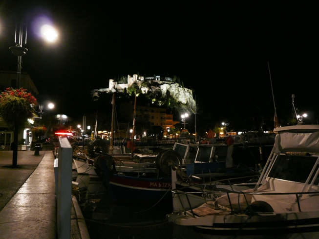 Castel small